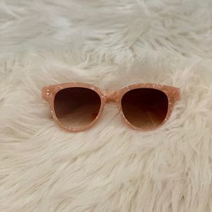 Super cute pink tortoise shell sunglasses ✨🎀
